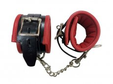 PADDED LEATHER ANKLE CUFFS BLACK/RED